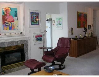 """Photo 3: 140 E 14TH Street in North Vancouver: Central Lonsdale Condo for sale in """"SPRINGHILL PLACE"""" : MLS®# V635846"""