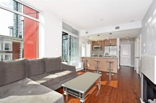 Photo 3: 602 1211 MELVILLE Street in Vancouver: Coal Harbour Condo for sale (Vancouver West)  : MLS®# R2410173