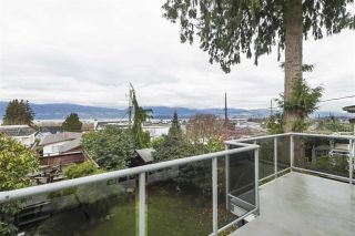 "Photo 14: 3981 W 11TH Avenue in Vancouver: Point Grey House for sale in ""Point Grey"" (Vancouver West)  : MLS®# R2430959"