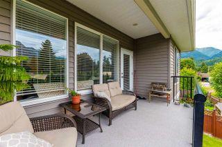 Photo 4: 2 323 ALLISON Avenue in Hope: Hope Center 1/2 Duplex for sale : MLS®# R2474169