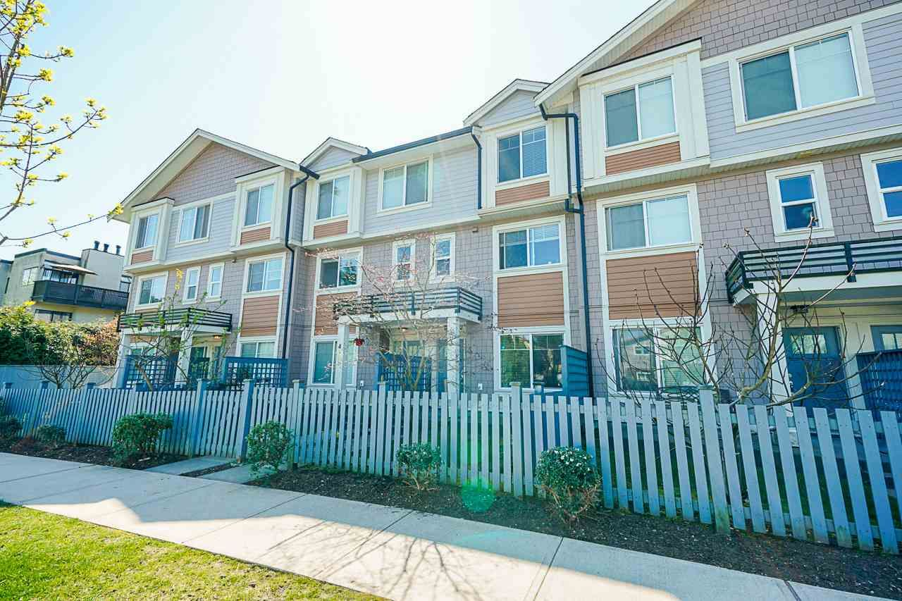 """Main Photo: 3 14660 105A Avenue in Surrey: Guildford Townhouse for sale in """"Park Place Village"""" (North Surrey)  : MLS®# R2569582"""