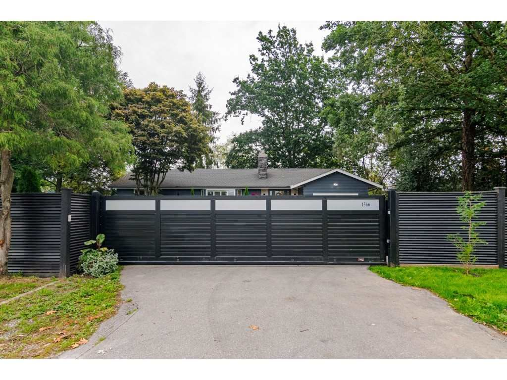 Photo 4: Photos: 1566 184 Street in Surrey: Hazelmere House for sale (South Surrey White Rock)  : MLS®# R2499303