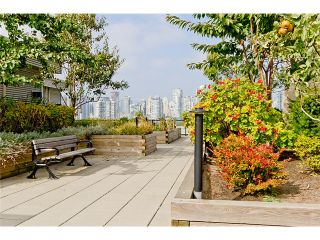 """Photo 9: 104 388 W 1ST Avenue in Vancouver: False Creek Condo for sale in """"THE EXCHANGE"""" (Vancouver West)  : MLS®# V975965"""
