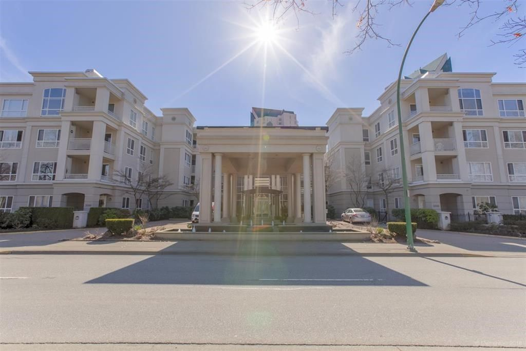"""Main Photo: 328 3098 GUILDFORD Way in Coquitlam: North Coquitlam Condo for sale in """"Marlborough House"""" : MLS®# R2367049"""