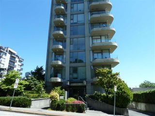 "Photo 2: 402 570 18TH Street in West Vancouver: Ambleside Condo for sale in ""WENTWORTH"" : MLS®# R2194488"