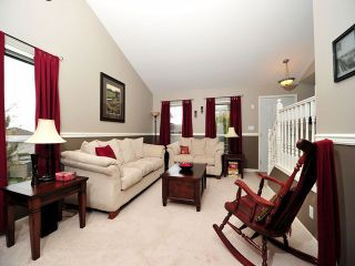 Photo 4: 8358 CLERIHUE Court in Mission: Mission BC House for sale : MLS®# F1308201