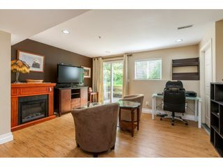 """Photo 14: 12 20761 TELEGRAPH Trail in Langley: Walnut Grove Townhouse for sale in """"Woodbridge"""" : MLS®# R2456523"""