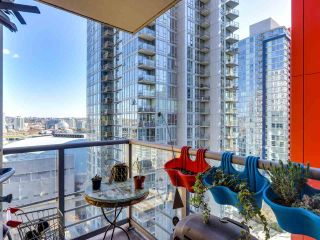 "Photo 4: 1709 602 CITADEL Parade in Vancouver: Downtown VW Condo for sale in ""Spectrum 4"" (Vancouver West)  : MLS®# R2565583"
