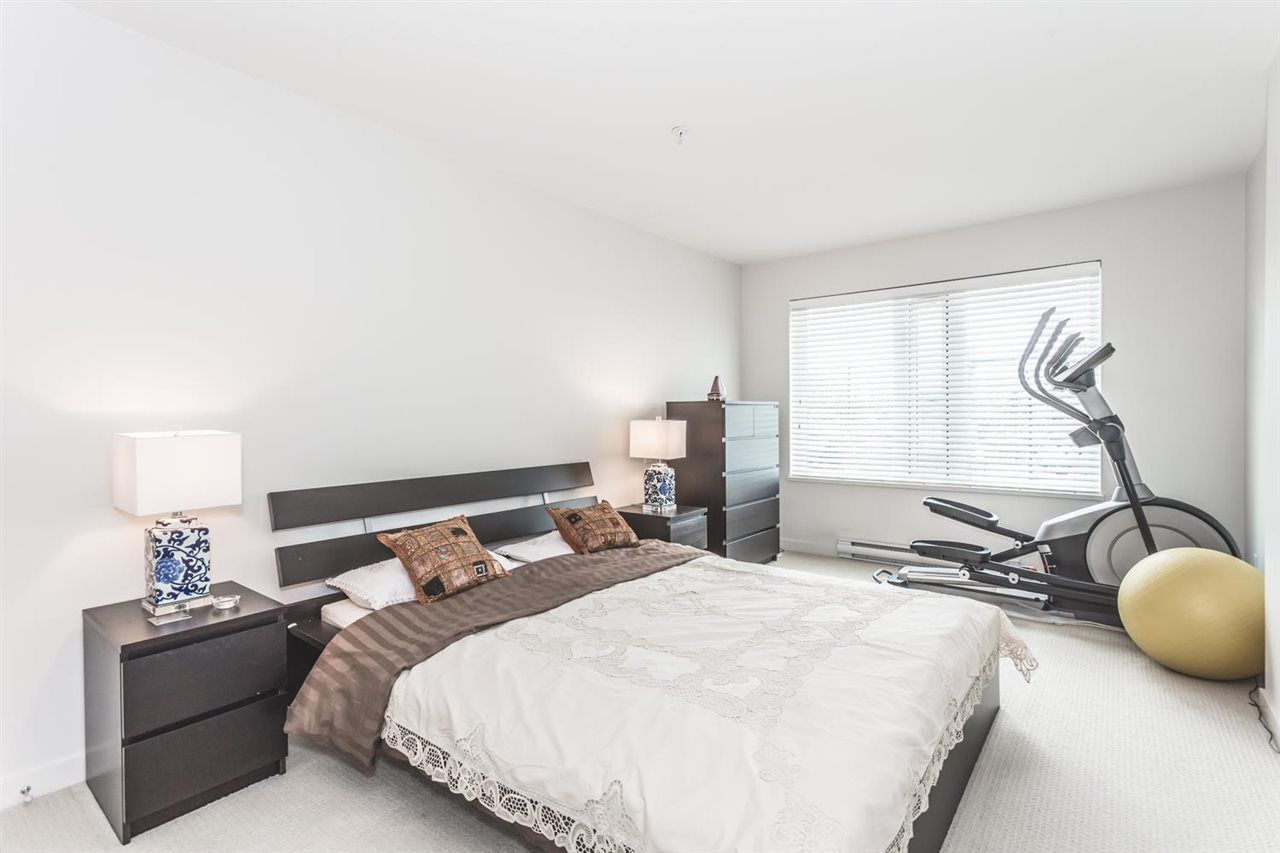 "Photo 11: Photos: 306 1673 LLOYD Avenue in North Vancouver: Pemberton NV Condo for sale in ""DISTRICT CROSSING"" : MLS®# R2046204"