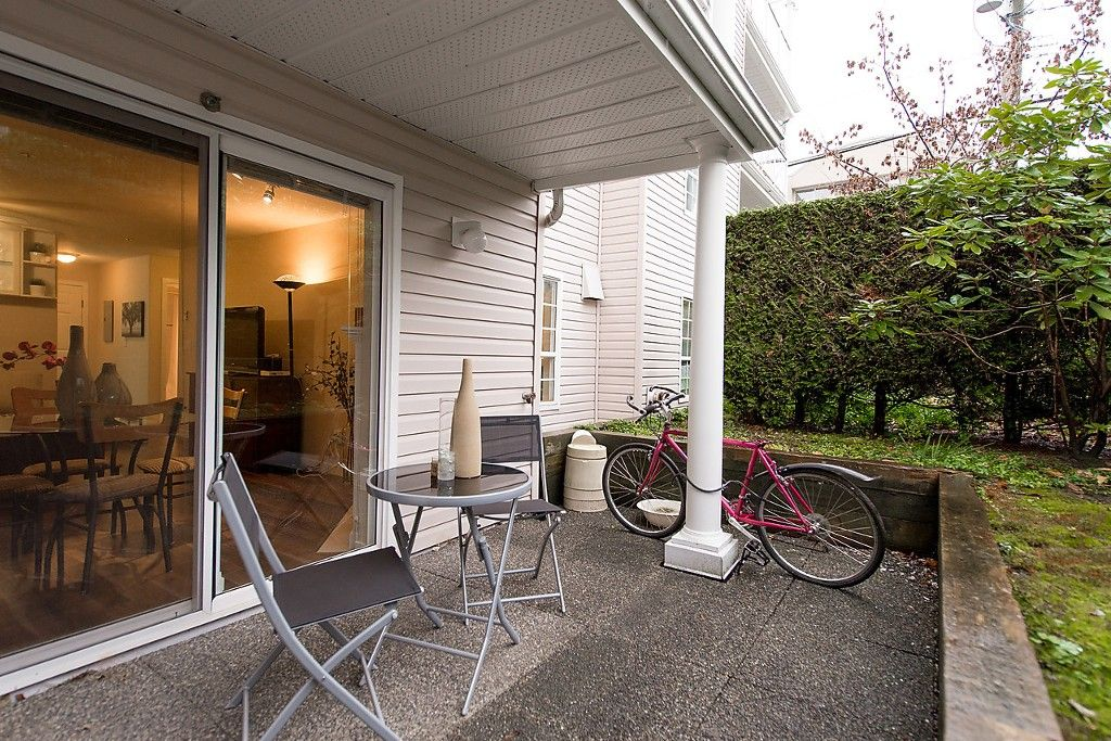 """Photo 9: Photos: 109 5788 VINE Street in Vancouver: Kerrisdale Condo for sale in """"THE VINEYARD"""" (Vancouver West)  : MLS®# V1095219"""