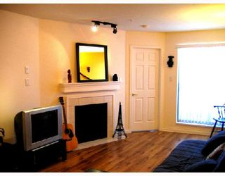 """Photo 5: 204 2741 E HASTINGS Street in Vancouver: Hastings East Condo for sale in """"THE RIVIERA"""" (Vancouver East)  : MLS®# V683987"""