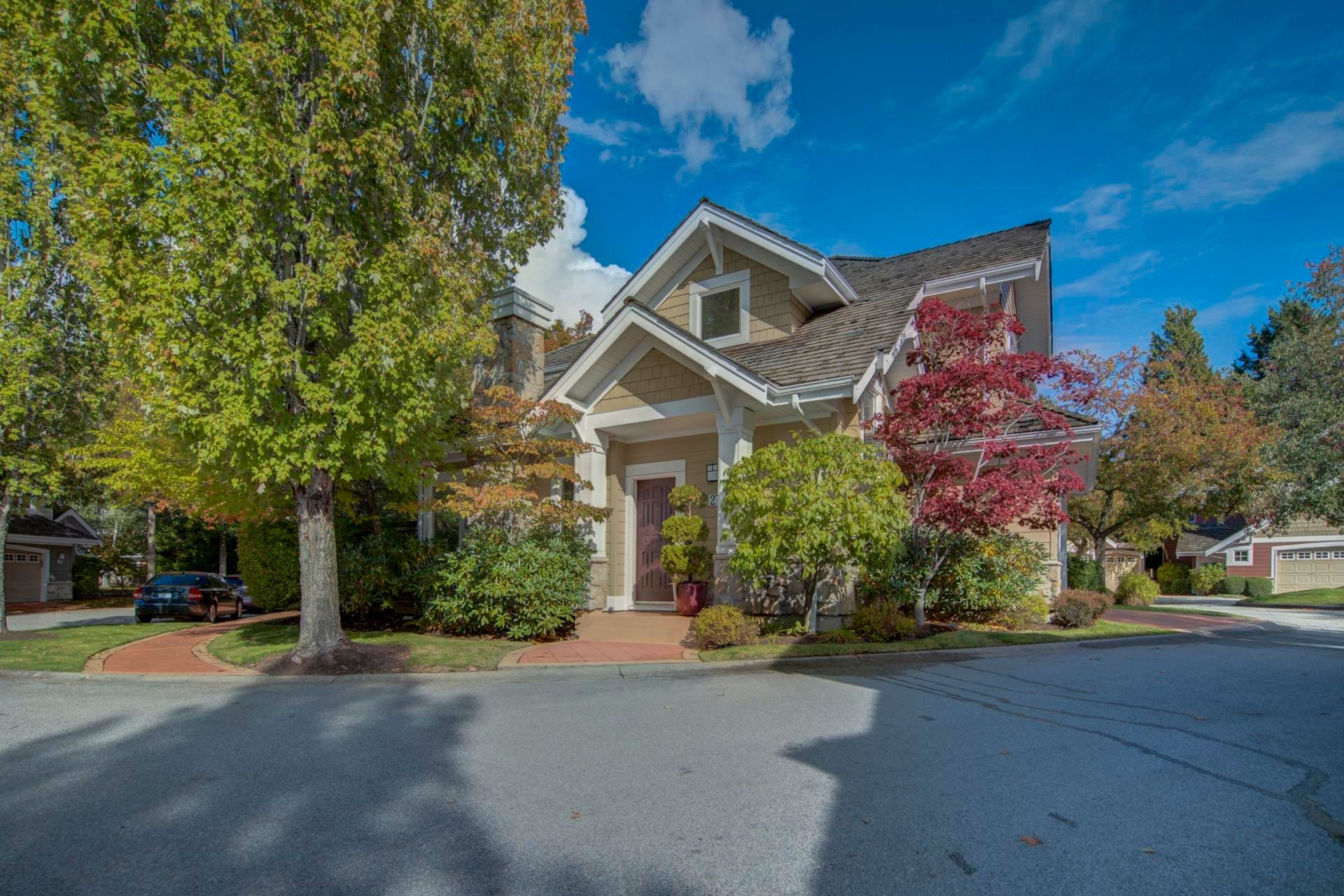 """Main Photo: 27 15055 20TH Avenue in Surrey: Sunnyside Park Surrey Townhouse for sale in """"HIGHGROVE"""" (South Surrey White Rock)  : MLS®# R2624305"""
