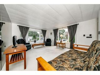 """Photo 8: 108 15875 20 Avenue in Surrey: King George Corridor Manufactured Home for sale in """"Sea Ridge Bays"""" (South Surrey White Rock)  : MLS®# R2512573"""