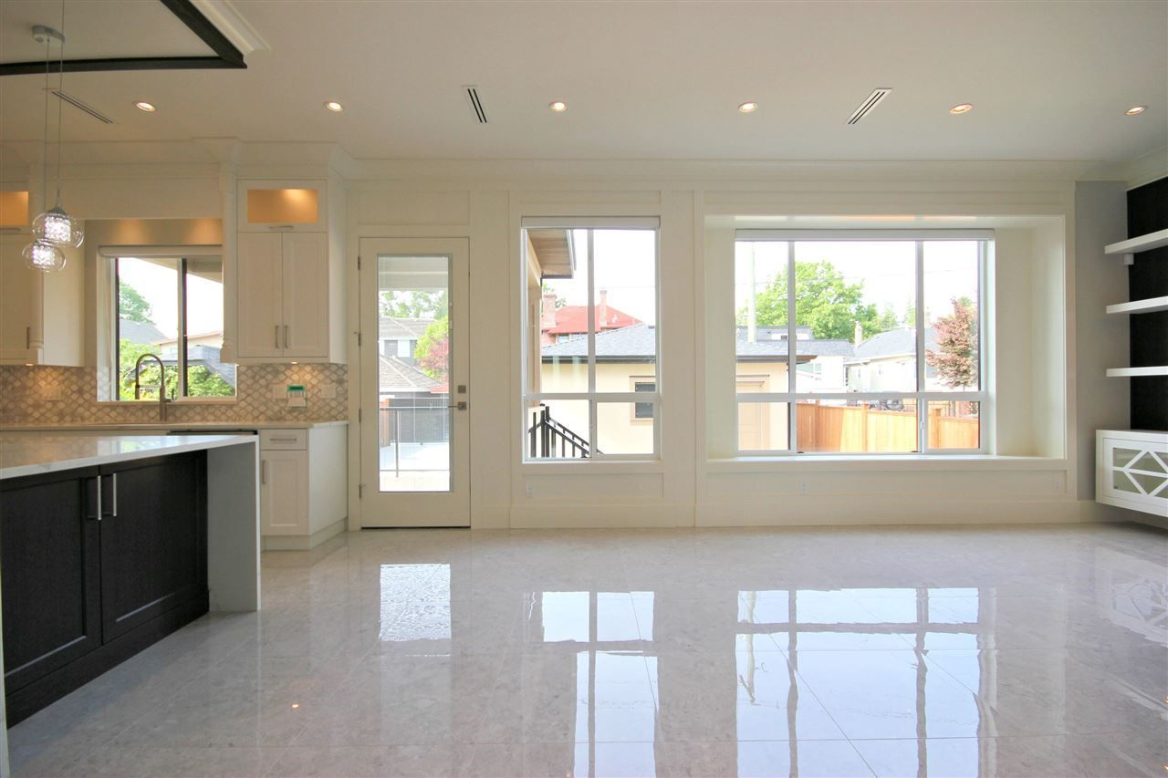Photo 4: Photos: 3771 OXFORD STREET in Burnaby: Vancouver Heights House for sale (Burnaby North)