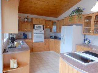 """Photo 5: 4457 FRANCIS PENINSULA Road in Madeira Park: Pender Harbour Egmont House for sale in """"Gerran's Bay"""" (Sunshine Coast)  : MLS®# R2009213"""