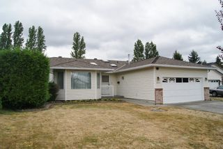 Photo 2: 19217 59A Avenue in Surrey: Cloverdale BC House for sale (Cloverdale)  : MLS®# R2294637