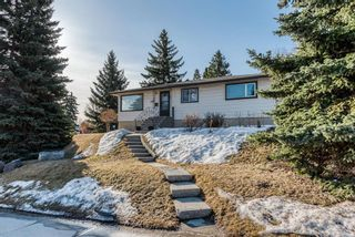Main Photo: 503 44 Avenue NW in Calgary: Highwood Detached for sale : MLS®# A1094147