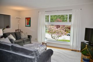 Photo 2: 3749 ST. ANDREWS Avenue in North Vancouver: Upper Lonsdale House for sale : MLS®# R2366318