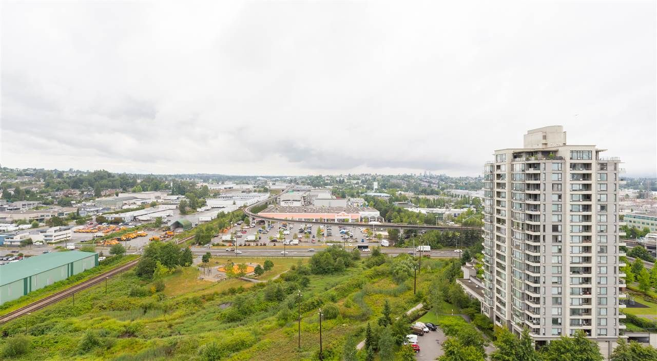 """Photo 13: Photos: 1704 2345 MADISON Avenue in Burnaby: Brentwood Park Condo for sale in """"OMA"""" (Burnaby North)  : MLS®# R2302453"""