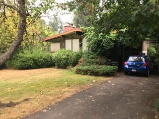 """Photo 3: 7591 KRAFT Crescent in Burnaby: Government Road House for sale in """"GOVERNMENT ROAD"""" (Burnaby North)  : MLS®# R2202072"""