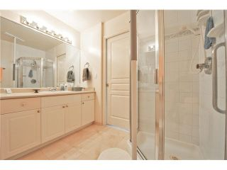 """Photo 16: 303 1705 MARTIN Drive in Surrey: Sunnyside Park Surrey Condo for sale in """"SOUTHWYND"""" (South Surrey White Rock)  : MLS®# F1420126"""