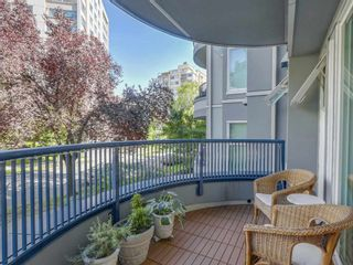 """Photo 9: 207 1924 COMOX Street in Vancouver: West End VW Condo for sale in """"WINDGATE BY THE PARK"""" (Vancouver West)  : MLS®# R2109767"""