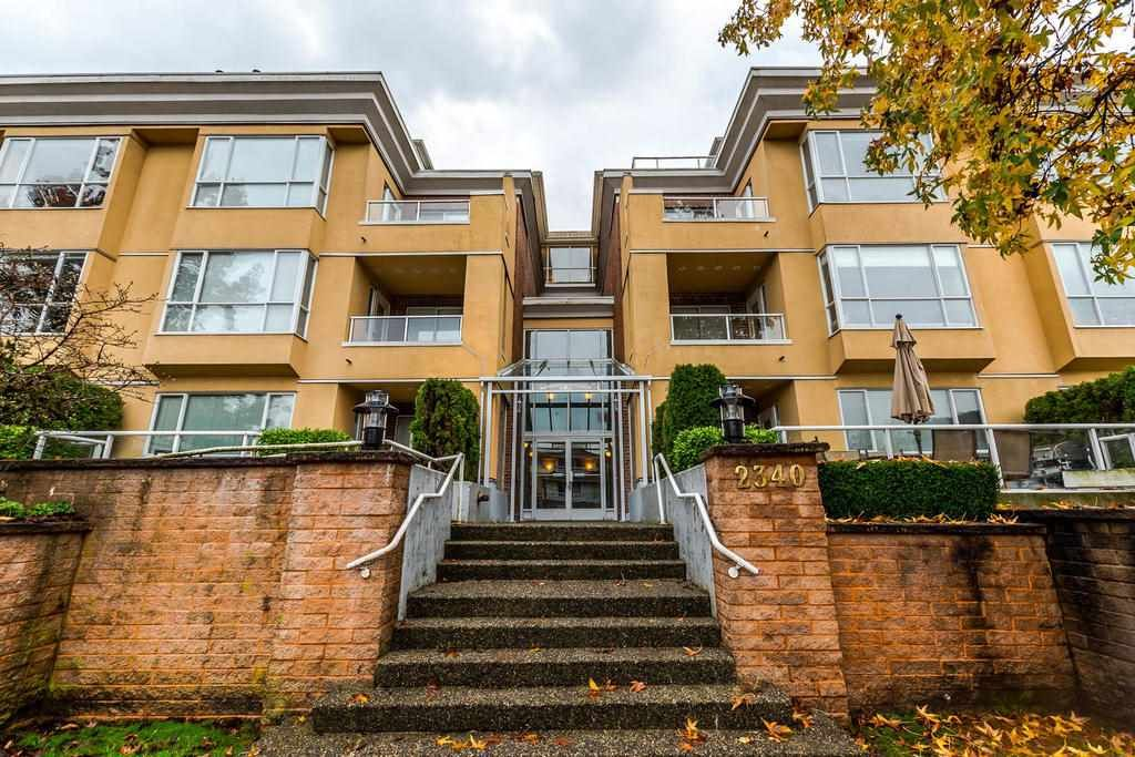 """Main Photo: 201 2340 HAWTHORNE Avenue in Port Coquitlam: Central Pt Coquitlam Condo for sale in """"BARRINGTON PLACE"""" : MLS®# R2224366"""