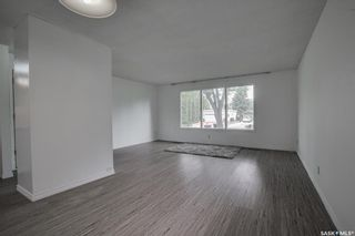 Photo 3: 44 Kirk Crescent in Saskatoon: Greystone Heights Residential for sale : MLS®# SK860954