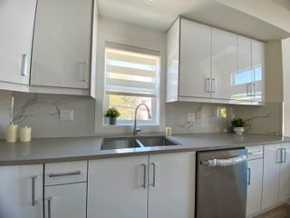 """Photo 5: 5001 CHAMBERS Street in Vancouver: Collingwood VE Townhouse for sale in """"CHAMBERS"""" (Vancouver East)  : MLS®# R2621910"""