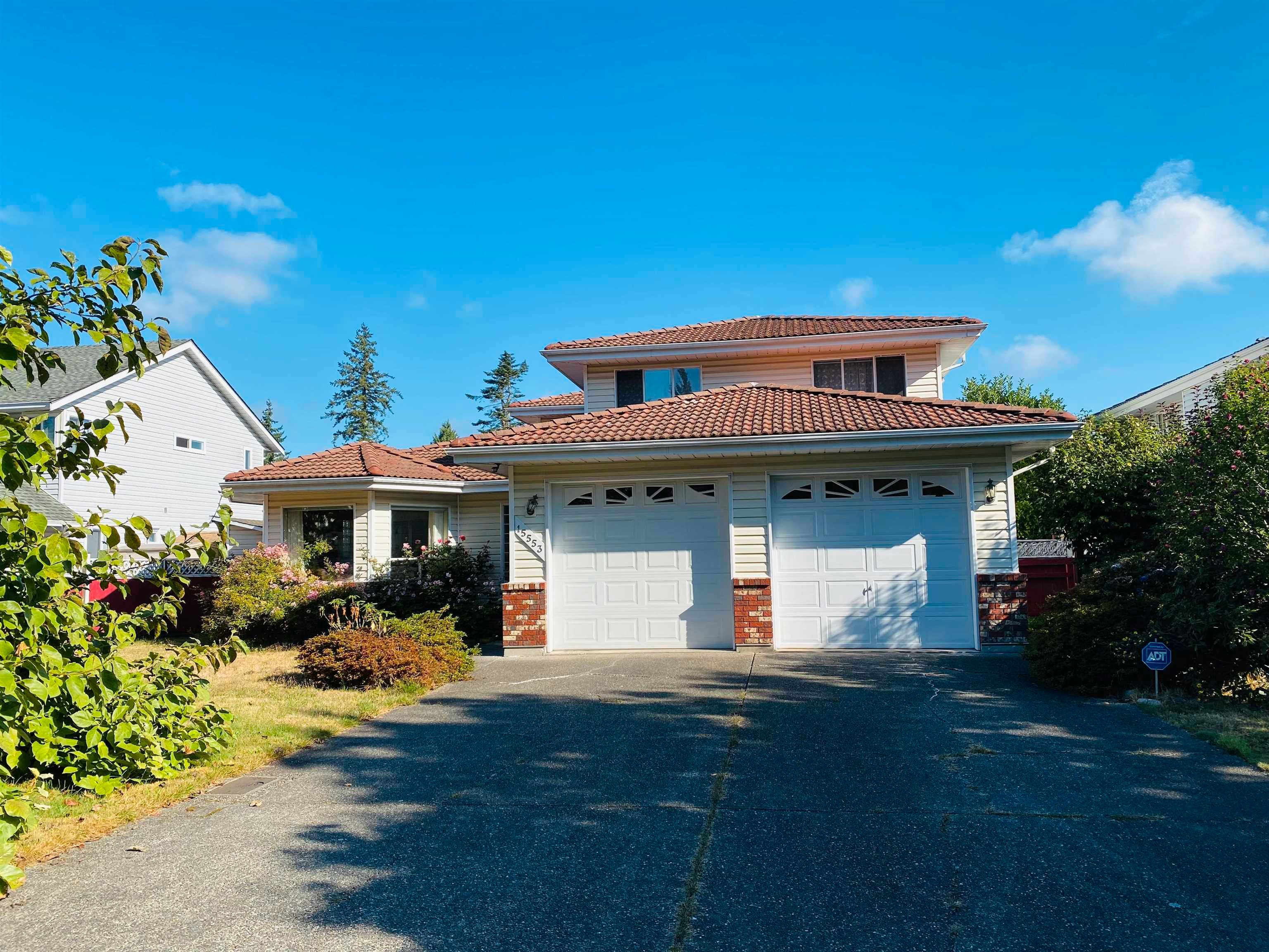 Main Photo: 15553 91A Avenue in Surrey: Fleetwood Tynehead House for sale : MLS®# R2613999