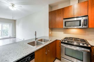 "Photo 7: 407 5885 IRMIN Street in Burnaby: Metrotown Condo for sale in ""Macpherson Walk"" (Burnaby South)  : MLS®# R2500930"