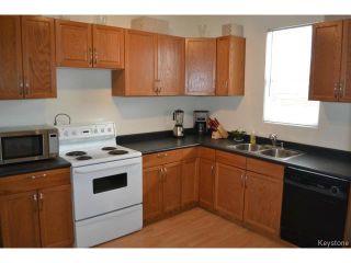 Photo 5: 415 Brooklyn Street in WINNIPEG: St James Residential for sale (West Winnipeg)  : MLS®# 1505642