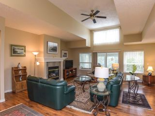 Photo 2: 619 OLYMPIC DRIVE in COMOX: CV Comox (Town of) House for sale (Comox Valley)  : MLS®# 721882