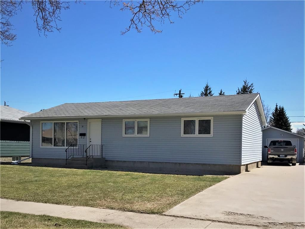 Main Photo: 21 Macleod Avenue East in Dauphin: Residential for sale (R30 - Dauphin and Area)  : MLS®# 202108695