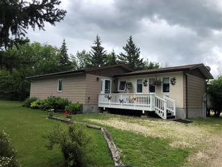 Photo 1: 18 Northshore Road in Pine Falls: R27 Residential for sale : MLS®# 1920028