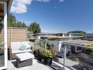 """Photo 22: 6498 WILDFLOWER Place in Sechelt: Sechelt District Townhouse for sale in """"Wakefield Beach - Second Wave"""" (Sunshine Coast)  : MLS®# R2589812"""