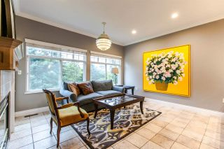 """Photo 6: 17 5201 OAKMOUNT Crescent in Burnaby: Oaklands Townhouse for sale in """"HARTLANDS"""" (Burnaby South)  : MLS®# R2099828"""