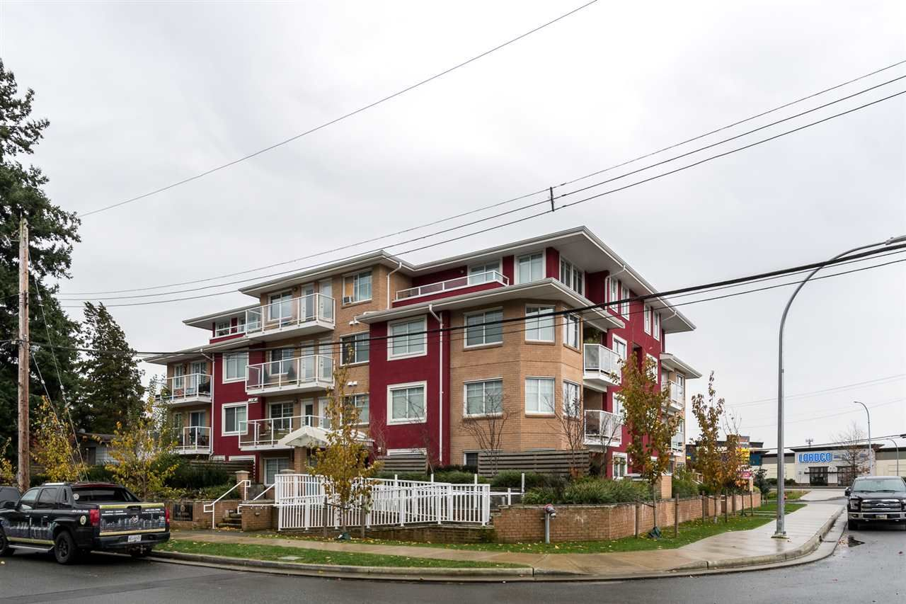 """Main Photo: 204 1990 WESTMINSTER Avenue in Port Coquitlam: Glenwood PQ Condo for sale in """"THE ARDEN"""" : MLS®# R2520164"""
