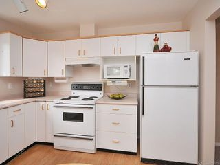 Photo 3: 304 9861 Fifth St in SIDNEY: Si Sidney North-East Condo for sale (Sidney)  : MLS®# 605635