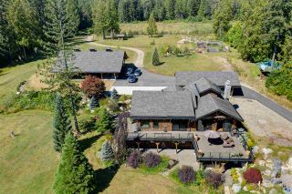 Photo 1: 981 CHAMBERLIN Road in Gibsons: Gibsons & Area House for sale (Sunshine Coast)  : MLS®# R2481276