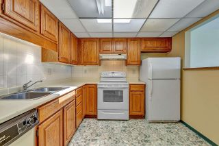 """Photo 13: 303 14950 THRIFT Avenue: White Rock Condo for sale in """"THE MONTEREY"""" (South Surrey White Rock)  : MLS®# R2598221"""