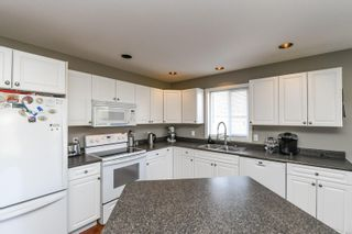 Photo 8: 2160 Stirling Cres in : CV Courtenay East House for sale (Comox Valley)  : MLS®# 870833