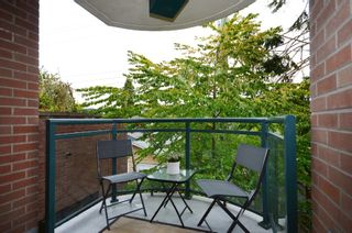 Photo 9: 201 2665 W. Broadway in Macguire Building: Kitsilano Home for sale ()  : MLS®# V1027888