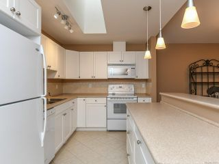 Photo 14: 106 2077 St Andrews Way in COURTENAY: CV Courtenay East Row/Townhouse for sale (Comox Valley)  : MLS®# 836791