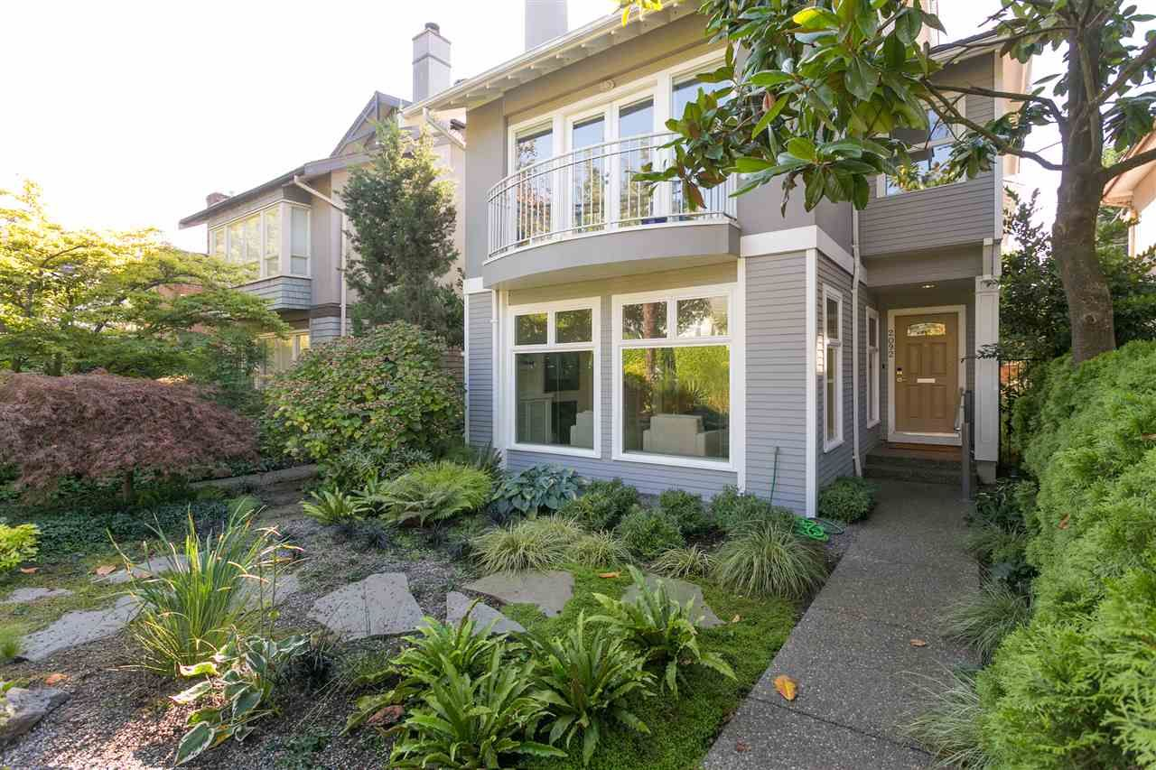 """Main Photo: 2092 WHYTE Avenue in Vancouver: Kitsilano 1/2 Duplex for sale in """"KITS POINT"""" (Vancouver West)  : MLS®# R2209008"""