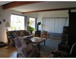 """Photo 3: 6412 MARMOT RD in Sechelt: Sechelt District House for sale in """"PORPOISE ESTATES"""" (Sunshine Coast)  : MLS®# V799239"""