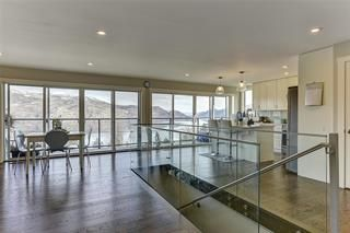 Photo 2: 5864 Somerset Avenue: Peachland House for sale : MLS®# 10228079