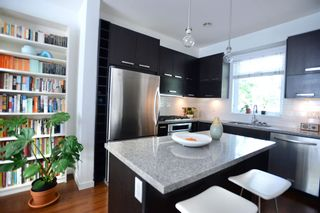 """Photo 8: 2779 GUELPH Street in Vancouver: Mount Pleasant VE Townhouse for sale in """"The Block"""" (Vancouver East)  : MLS®# R2602227"""