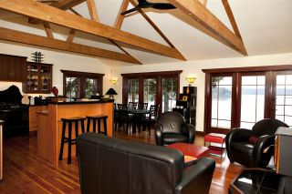 Photo 1: 477 LETOUR Road: Mayne Island House for sale (Islands-Van. & Gulf)  : MLS®# R2475713