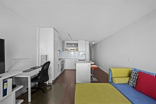 """Photo 9: 1607 668 COLUMBIA Street in New Westminster: Quay Condo for sale in """"TRAPP + HOLBROOK"""" : MLS®# R2597891"""